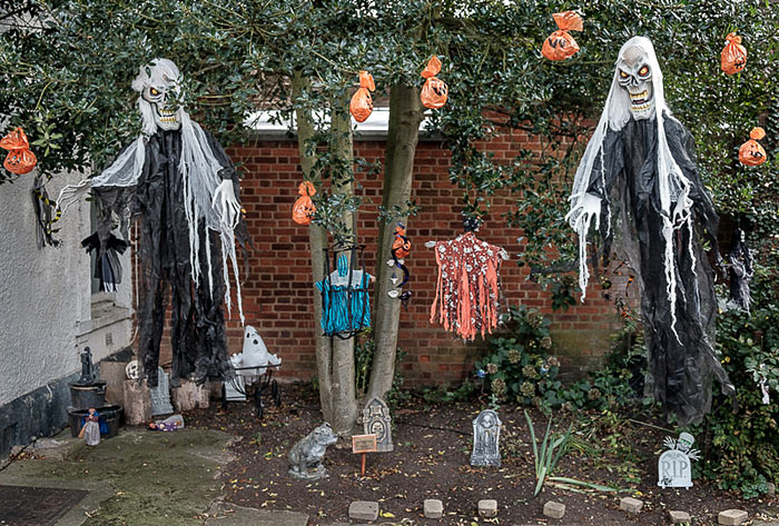 Halloween in Theydon Bois